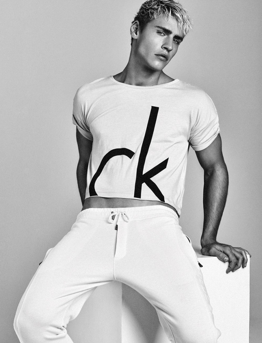 Oliver-Stummvoll-2016-Editorial-Attitude-Magazine-Calvin-Klein-001